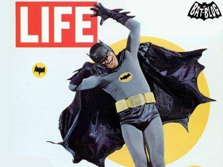 Batman (1966), seriado com Adam West e Burt Ward. Responsável pela popularização do Homem-Morcego.