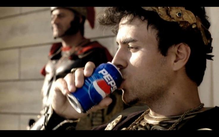 """Aaaah, beber """"Pespi"""", y es casi uns experiencia religiosa..."""
