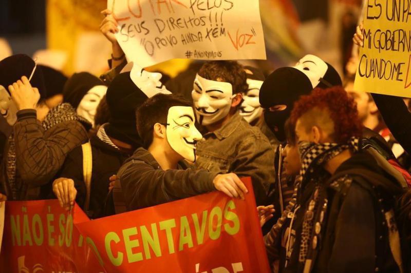 Protestos Anônimos (Fonte: Zero Hora)