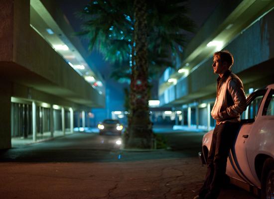 Cena do filme Drive, de Nicolas Winding Refn, com Ryan Gosling, baseado no livro de James Sallis