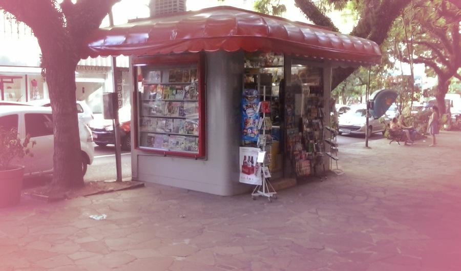 A Banca Moinhos de Vento fica na esquina da Av. Independência com a Rua Ramiro Barcelos, no bairro Moinhos de Vento em Porto Alegre/RS